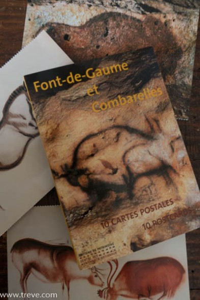 Postcards dipicting some of the artwork in Font-de-GAume